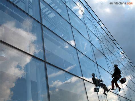 Cairan Pembersih Kaca Gedung Tips Membersihkan Dan Mengkilapkan Jendela Yang Kotor Dan