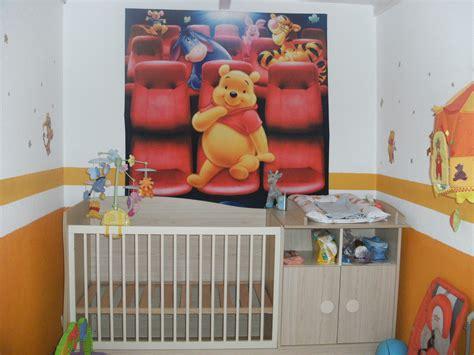 chambre de bébé winnie l ourson orange chambre bebe