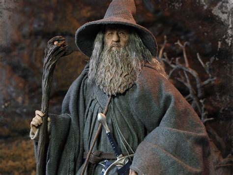 Lord Of The Ring Gandalf the lord of the rings gandalf the grey 1 6 scale figure