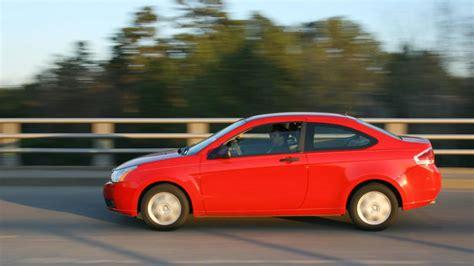 estudio desmonta el mito de  los coches rojos son