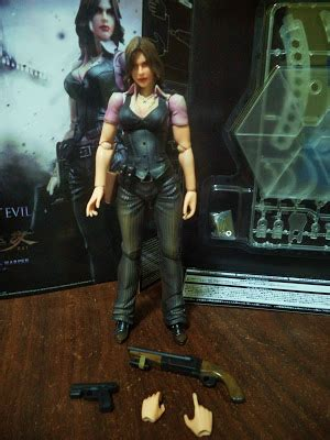 Play Arts Resident Evil 6 Helena and summer play arts helena review resident evil 6