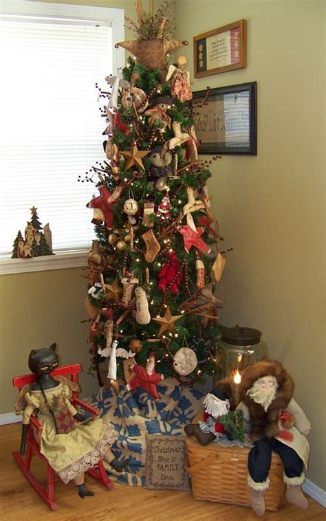pictures of primitive christmas trees 267 best decorations images on