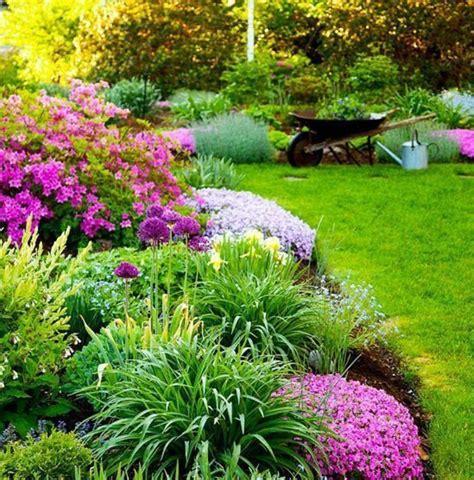Supérieur Jardin Decoration Exterieure #1: parterre-de-fleur-bordure-pelouse-fleurs-et-arbustes-id%C3%A9e-de-g%C3%A9nie-jardin-amenagement-a-faire-soi-meme-1.jpg