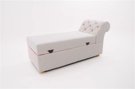 Victorian Ottoman Box / Daybed   Chaises and day beds