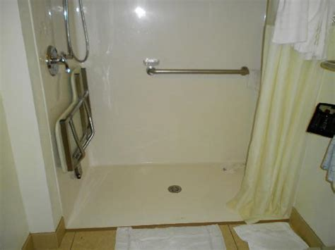 Styles 2014 Ada Shower Doors
