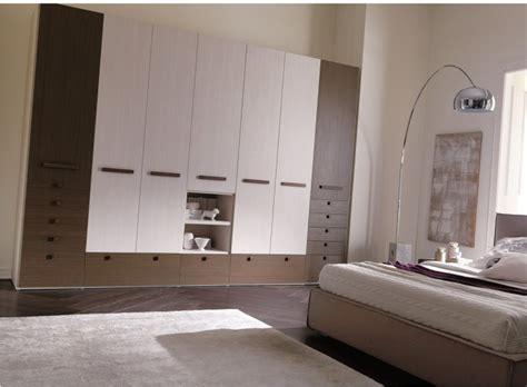 armadi moderni per camere da letto armadio per da letto con vani a giorno