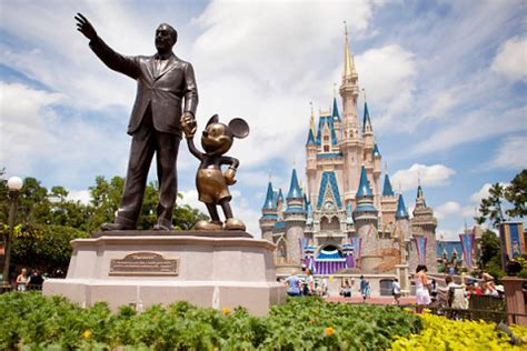 disney world offers beer, wine at magic kingdom for first