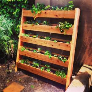 25 easy diy plans and ideas for a wood pallet