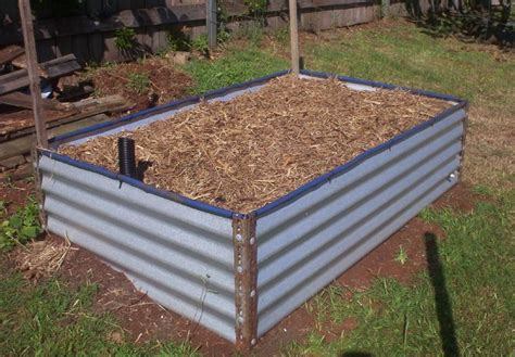 Cheap Raised Garden Bed Ideas 1000 Ideas About Cheap Raised Garden Beds On Pinterest Above Ground Garden Garden Beds And