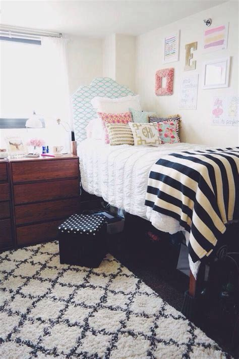 College Room Rugs by 7398 Best Images About Room Trends On