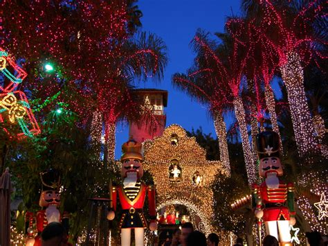 10 incredible places to see christmas lights across the
