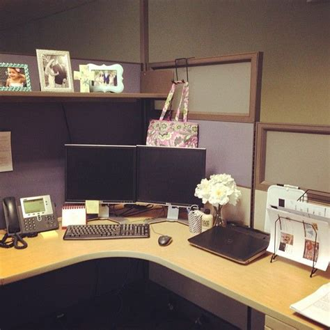 Cubicle Desk Decorating Ideas by 99 Best Diy Chic Office Cubicle Crafts Decor Ideas Images