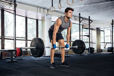 high rep bench press how compound movements can help you bulk up build muscle