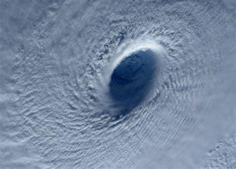 impresionantes imágenes tifón filipinas impresionantes im 225 genes del super tif 243 n maysak planeta