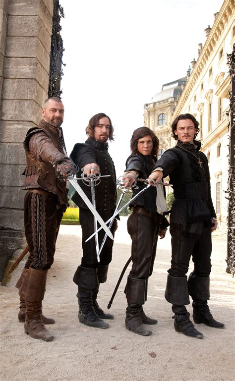 los tres mosqueteros three musketeers movie images collider