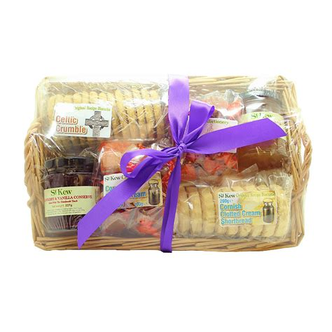 st kew preserves fudge biscuits willow basket christmas