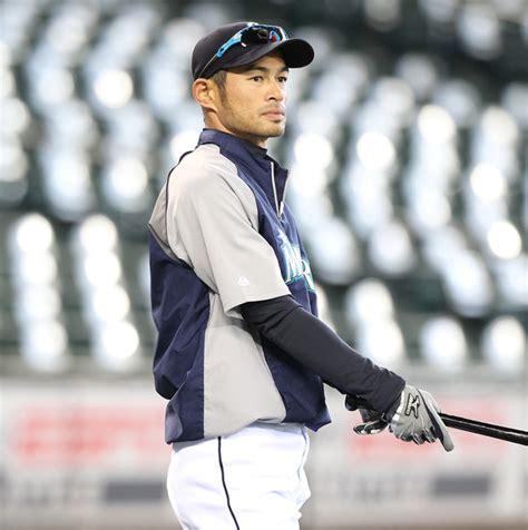 Ichiro Suzuki Biography Ichiro Suzuki Profile Bio Pictures Images Wallpapers 2011