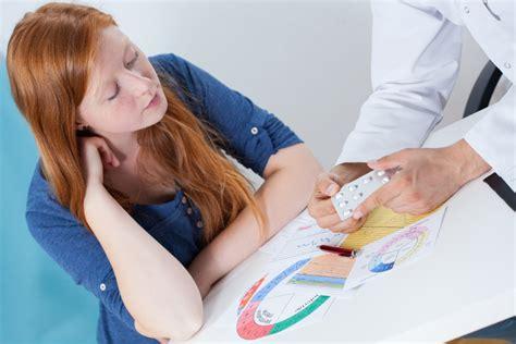 wann sollte zum frauenarzt gehen nur keine scham beim ersten frauenarztbesuch tiroler