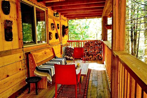 secluded cabin rental in nelson columbia