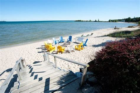 Beachfront Inn Door County by Beachfront Inn Baileys Harbor Wi Resort Reviews In