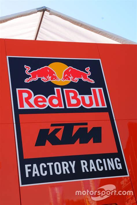 Ktm Factory Racing Logo Un Logo Bull Ktm Factory Racing Gp D Italie Photos