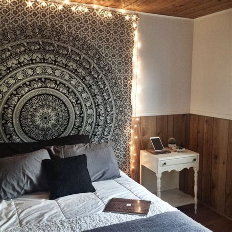 room with tapestry 17 best ideas about tapestry bedroom on tapestry bedroom boho string lights