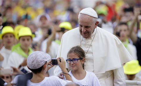 Pope Francis Criminal Record Volunteers For Pope Francis Philadelphia Visit Put Through Rigorous Background Checks