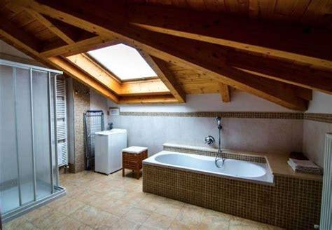 bagno mansarda arredare il bagno in mansarda foto design mag