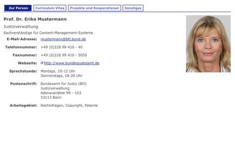 Rihanna Lebenslauf Pin Lebenslauf Persoenliche Daten Name Vorname Weber Wohnort 04103 On