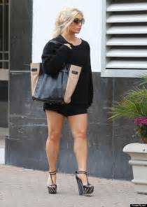 jessica simpson s legs are on full display as she struts her stuff in