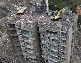 how did they get up there excavators dismantle