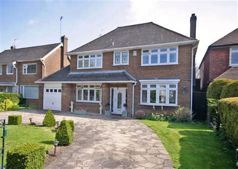 4 Bedroom House For Sale In Luton by 4 Bedroom Detached House For Sale In Bedford Road