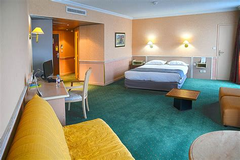 chambre hotel lyon les chambres de l h 244 tel lyon est peuvent accueillir jusqu