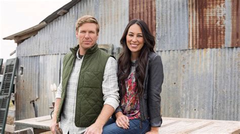 where do chip and joanna live chip and jo just released shocking news about quot fixer upper quot