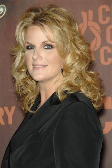 trisha yearwood shaggy hairstyle pinterest discover and save creative ideas