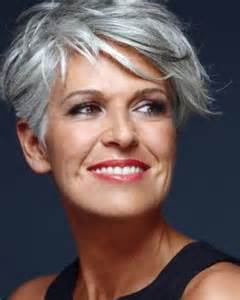 coupe cheveux courts femme mode