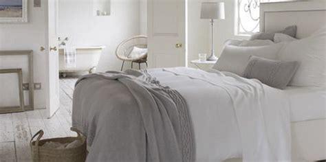 come imbiancare da letto top da letto accogliente with come una stanza da