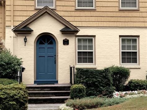 187 best front door colors for a beige home