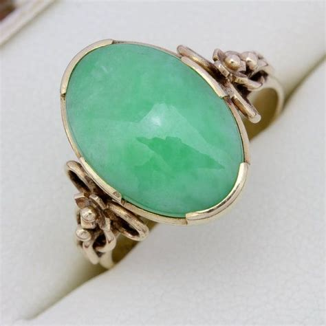 beautiful vintage 18ct yellow gold jade 5 00 carat
