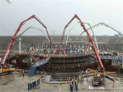Power O Cina china s building nuclear reactors that float the new economy