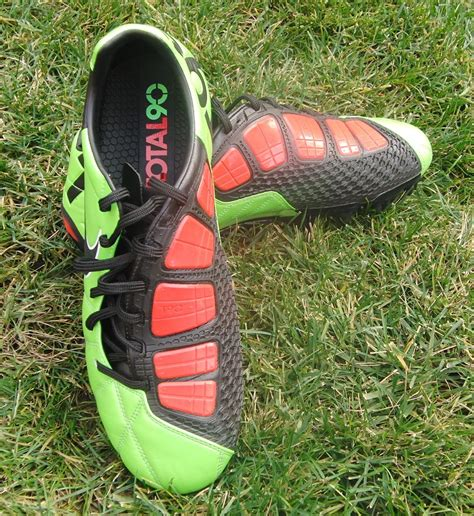 football shoes for defenders recommeded soccer cleats for defenders soccer cleats 101