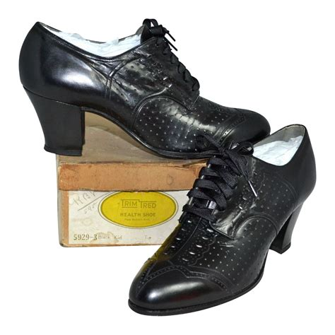 witch shoes 1930s trim tred nos black leather spectator style lace