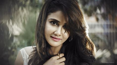 parul yadav wallpapers hd wallpapers id