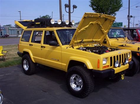jeep cherokee yellow baby ditto s soon to be new paint job yellow jeep