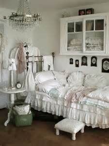 Shabby Chic Bedroom Decorating Ideas 33 cute and simple shabby chic bedroom decorating ideas