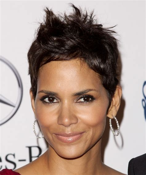 back view of halle berry hair halle berry hairstyles in 2018