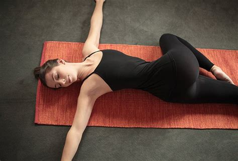 Reclined Spinal Twist how to do reclined spinal twist pose