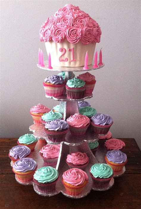 St  Ee  Birthday Ee   Giant Cupcake Cakes Ive Created