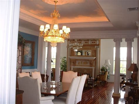 Traditional Dining Room Chandeliers Traditional Dining Room With Chandelier Laminate Floors In Fort Lauderdale Fl Zillow Digs
