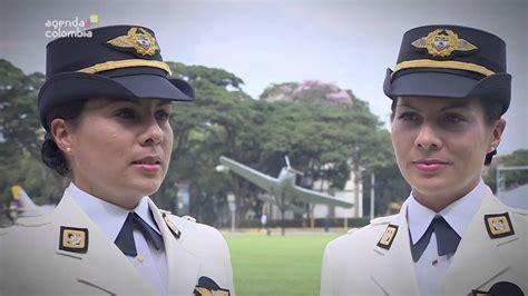 uniforme fuerza aerea colombiana hermanas gemelas nuevas subtenientes de la fuerza a 233 rea